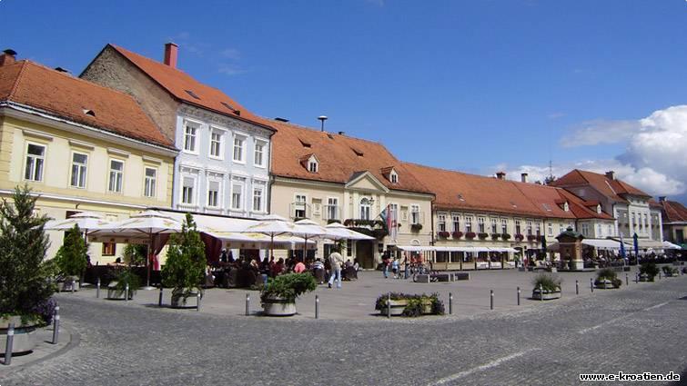 Kroatien foto - Blick auf den Marktplatz von Samobor
